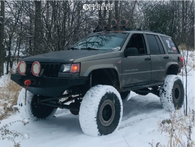 """1996 Jeep Grand Cherokee - 15x8 -19mm - Pro Comp Series 97 - Air Suspension - 35"""" x 12.5"""""""