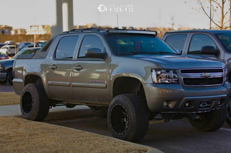 "2007 Chevrolet Avalanche 1500 - 20x14 -76mm - Fuel Maverick - Leveling Kit & Body Lift - 35"" x 12.5"""