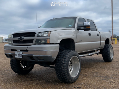 "2004 Chevrolet Silverado 2500 - 22x14 -76mm - Fuel Forged Ff16 - Suspension Lift 6"" - 37"" x 13.5"""