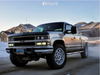 2000 Chevrolet K2500 - 20x9 18mm - Worx Conquest - Stock Suspension - 275/65R20