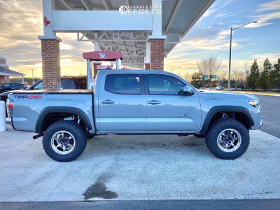"2020 Toyota Tacoma - 17x9 35mm - Advan Racing Rg-d2 - Suspension Lift 2.5"" - 305/65R17"