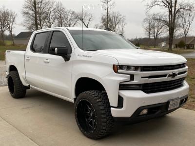 "2020 Chevrolet Silverado 1500 - 22x12 -44mm - Fuel Maverick - Suspension Lift 3.5"" - 33"" x 12.5"""