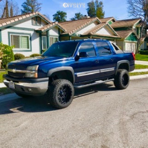 "2005 Chevrolet Avalanche 1500 - 20x12 -44mm - Fuel Maverick D538 - Suspension Lift 6"" - 33"" x 12.5"""