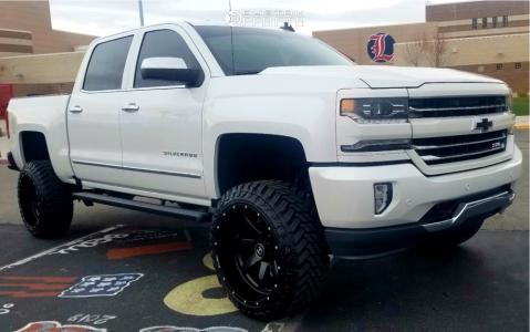 "2016 Chevrolet 1500 - 22x12 -44mm - Hostile Alpha - Suspension Lift 6.5"" - 33"" x 12.5"""