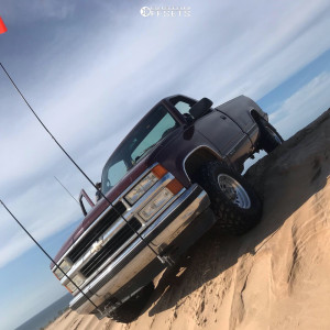 """1997 Chevrolet K1500 - 15x8 -19mm - American Racing Outlaw Ii - Stock Suspension - 31"""" x 10.5"""""""