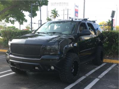 "2010 Chevrolet Tahoe - 18x12 -44mm - Moto Metal MO962 - Suspension Lift 3"" - 35"" x 12.5"""