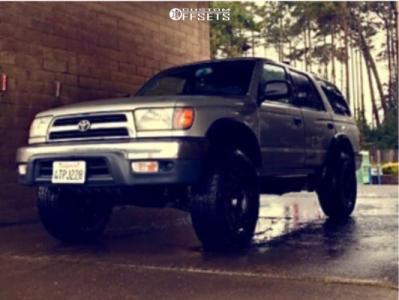 "1999 Toyota 4Runner - 17x9 0mm - Stealth Custom Series Sr8 - Level 2"" Drop Rear - 255/80R17"