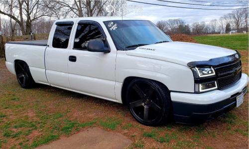 2006 Chevrolet Silverado 1500 - 22x9 25mm - DUB Baller - Lowered 5F / 7R - 265/45R22