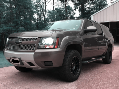 2012 Chevrolet Suburban 1500 - 18x9 0mm - Pro Comp Series 34 - Leveling Kit - 275/65R18