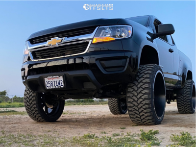 "2019 Chevrolet Colorado - 24x12 -44mm - Fuel Maverick - Suspension Lift 6.5"" - 33"" x 12.5"""