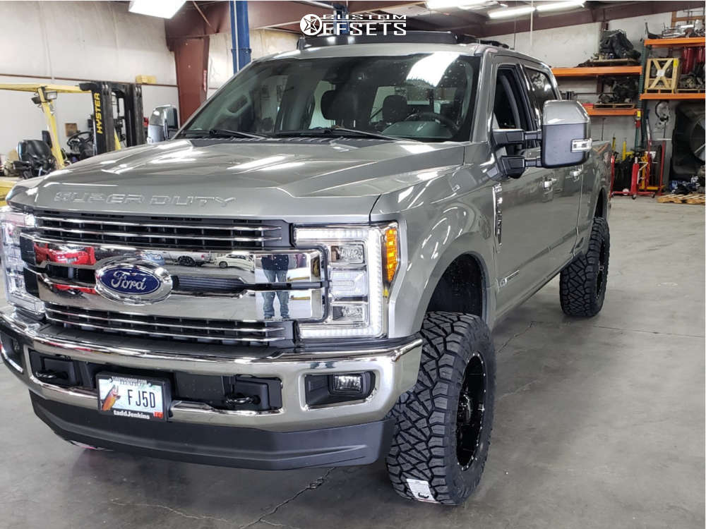 """2019 Ford F-250 Super Duty Aggressive > 1"""" outside fender on 20x9 -12 offset Ultra Hunter and 35""""x12.5"""" Nitto Ridge Grappler on Leveling Kit - Custom Offsets Gallery"""