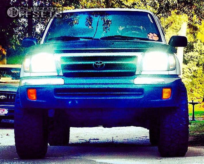 """1999 Toyota Tacoma Aggressive > 1"""" outside fender on 17x9 -6 offset Pro Comp Series 05 & 285/70 Fierce Attitude MT on Leveling Kit - Custom Offsets Gallery"""