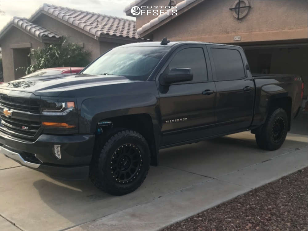"""2018 Chevrolet Silverado 1500 Flush on 18x9 -12 offset Method Mr305 and 35""""x12.5"""" Toyo Tires Open Country R/T on Suspension Lift 2.5"""" - Custom Offsets Gallery"""