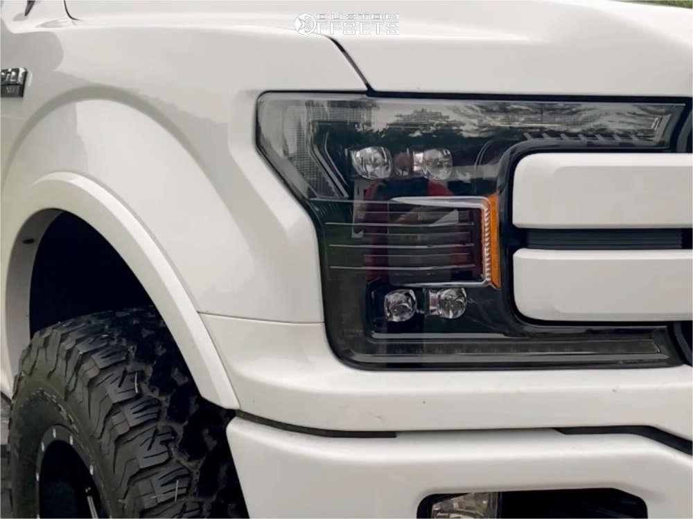 "2018 Ford F-150 Aggressive > 1"" outside fender on 18x9 -12 offset XD XD820 & 305/65 BFGoodrich All Terrain Ta Ko2 on Leveling Kit - Custom Offsets Gallery"