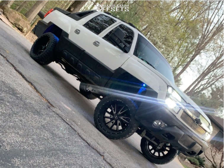 """2002 Chevrolet Avalanche Aggressive > 1"""" outside fender on 22x12 -44 offset Xtreme Force Xf3 & 33""""x12.5"""" Haida Mk868 Mud Champ on Suspension Lift 6"""" - Custom Offsets Gallery"""