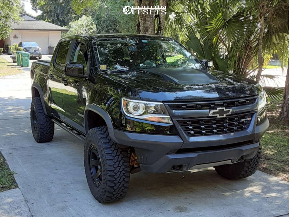 "2017 Chevrolet Colorado Aggressive > 1"" outside fender on 17x8.5 0 offset Method Con6 & 285/70 Yokohama Geolandar Mt G003 on Stock Suspension - Custom Offsets Gallery"