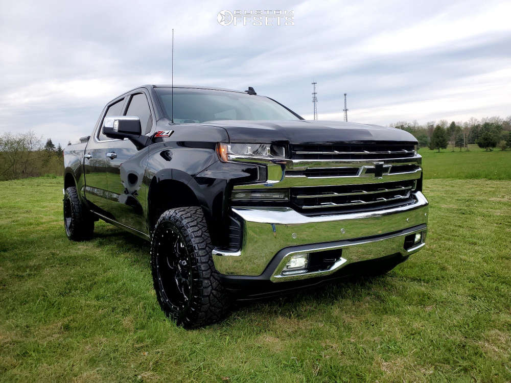 "2019 Chevrolet Silverado 1500 Aggressive > 1"" outside fender on 20x9 -12 offset Ultra Hunter and 275/60 Nitto Ridge Grappler on Leveling Kit - Custom Offsets Gallery"