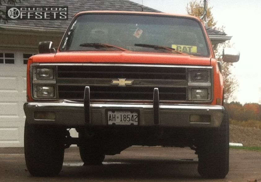 """1986 Chevrolet K10 Aggressive > 1"""" outside fender on 15x10 -24 offset Unknown Steelie & 33""""x12.5"""" Chaparral A/P Steel Radial on Stock - Custom Offsets Gallery"""