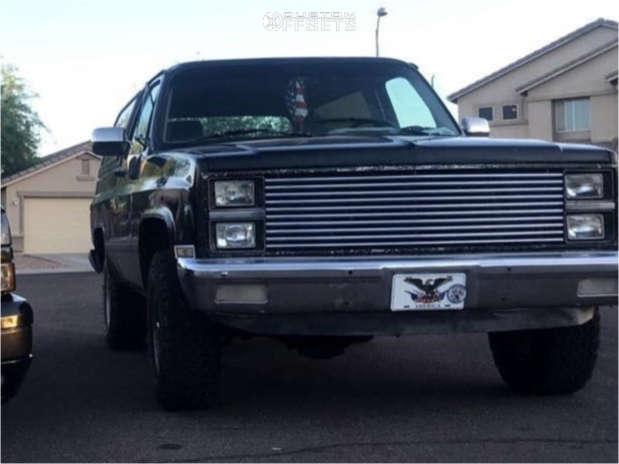 "1982 Chevrolet K5 Blazer Aggressive > 1"" outside fender on 15x10.5 0 offset K2 Offroad Torque & 33""x12.5"" BFGoodrich All Terrain Ta Ko2 on Stock Suspension - Custom Offsets Gallery"