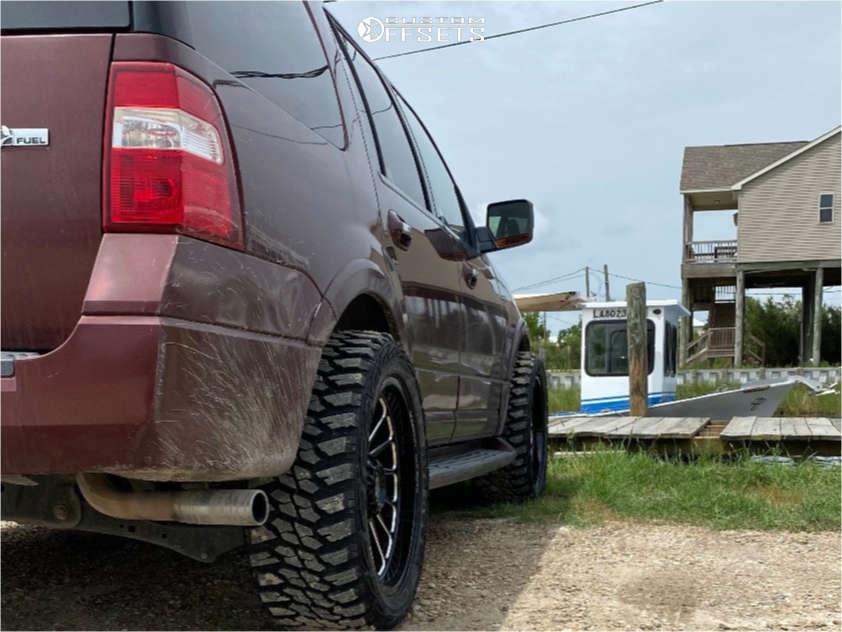 """2009 Ford Expedition Aggressive > 1"""" outside fender on 22x10 -19 offset Scorpion Saw and 33""""x12.5"""" Kanati Mud Hog on Stock Suspension - Custom Offsets Gallery"""
