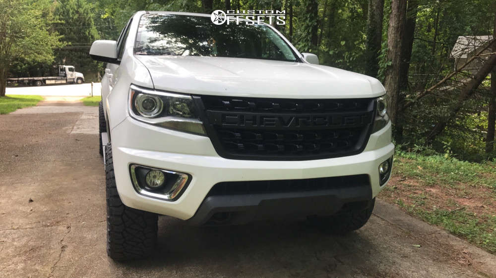 """2015 Chevrolet Colorado Aggressive > 1"""" outside fender on 20x9 7 offset Fuel Assault and 33""""x11.5"""" Nitto Ridge Grappler on Leveling Kit & Body Lift - Custom Offsets Gallery"""