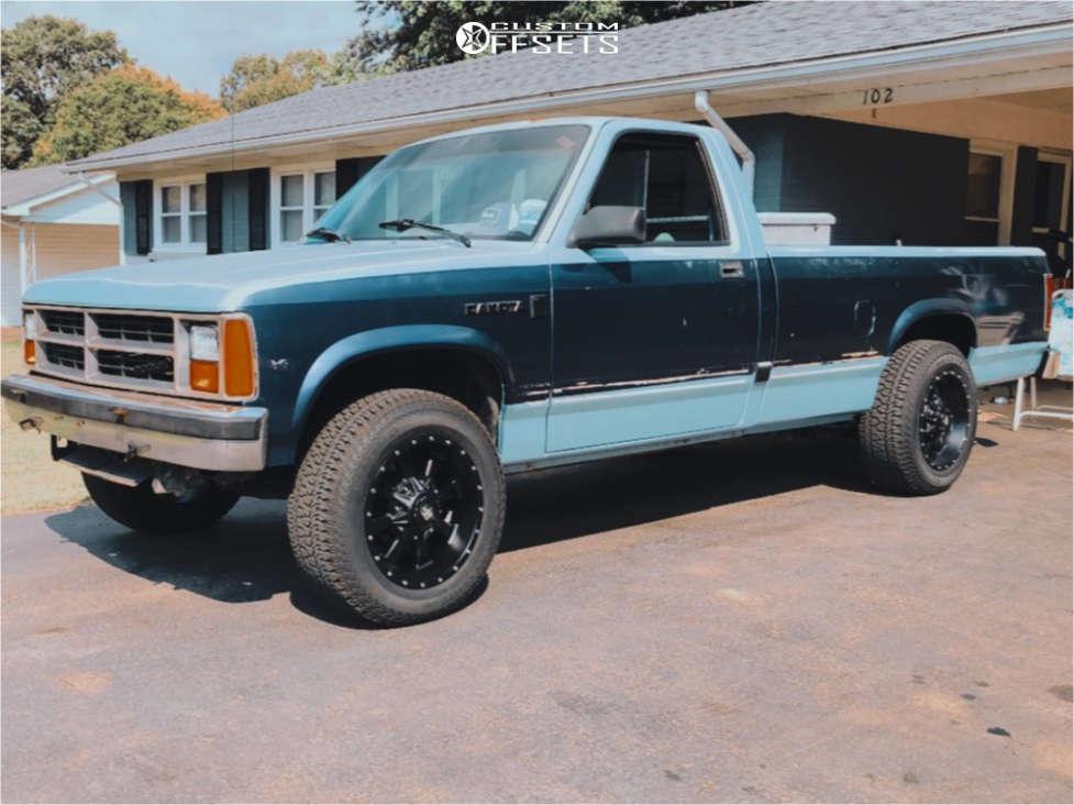 "1987 Dodge Dakota Aggressive > 1"" outside fender on 17x9 -6 offset Trail Master Tm220 and 245/65 Kumho Road Venture At51 on Suspension Lift 3"" - Custom Offsets Gallery"