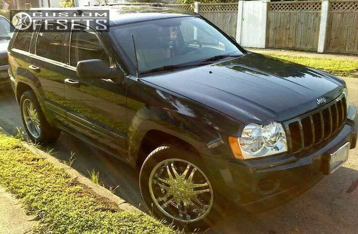 """2005 Jeep Grand Cherokee Nearly Flush on 20x8.5 30 offset DIP Phantom and 25""""x9.5"""" Nexen Roadian ATII on Lowered on Springs - Custom Offsets Gallery"""