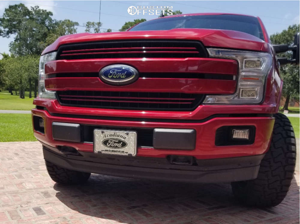"""2019 Ford F-150 Aggressive > 1"""" outside fender on 20x10 -24 offset Hartes Metal Offroad Strike & 33""""x12.5"""" Haida Hd878 R/t on Stock - Custom Offsets Gallery"""