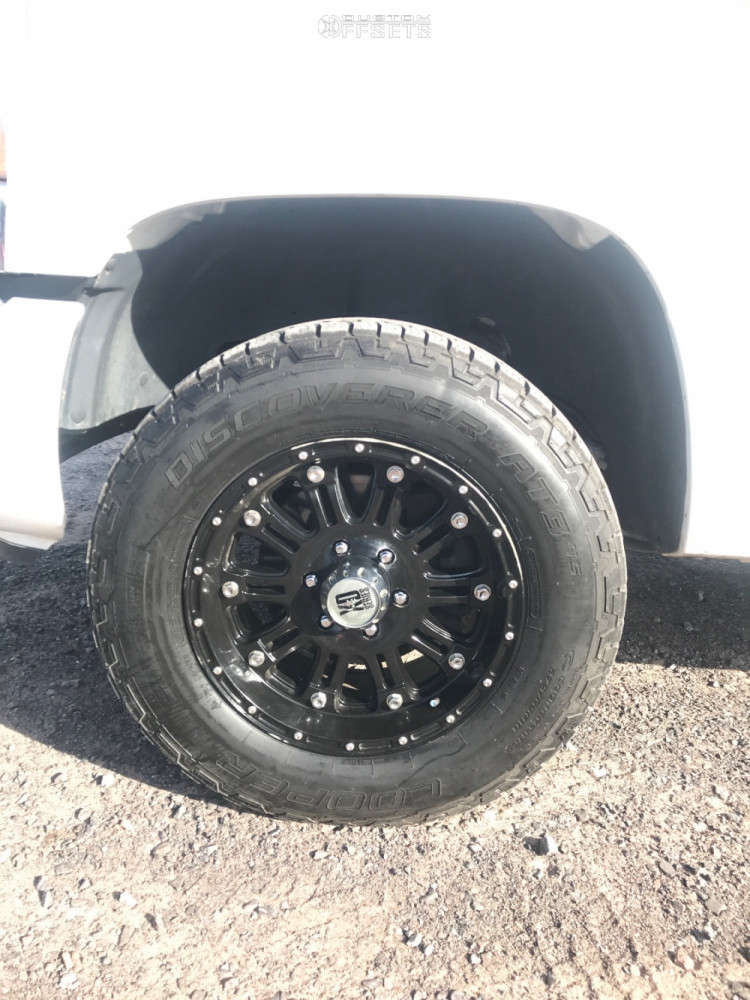 2007 GMC Sierra 1500 Classic Slightly Aggressive on 18x10 -24 offset XD Hoss and 275/65 Cooper Discoverer At3 on Leveling Kit - Custom Offsets Gallery