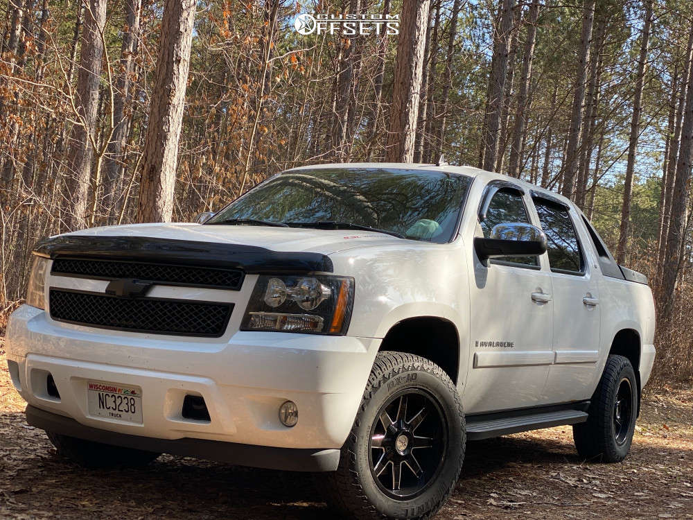 """2008 Chevrolet Avalanche Aggressive > 1"""" outside fender on 18x9 0 offset Toxic Widow & 275/65 Delinte Dx-10 Bandit At on Leveling Kit - Custom Offsets Gallery"""