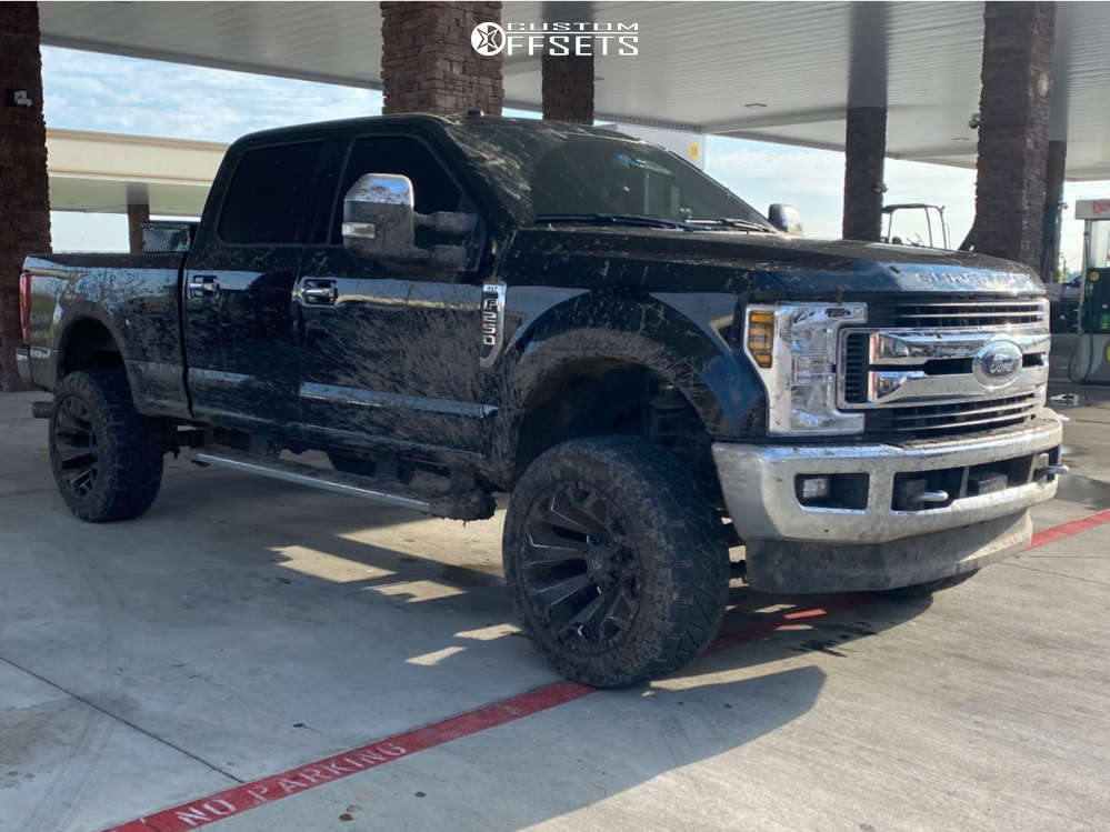 """2019 Ford F-250 Super Duty Aggressive > 1"""" outside fender on 22x12 -44 offset Fuel Assault and 35""""x12.5"""" Nitto Ridge Grappler on Suspension Lift 3.5"""" - Custom Offsets Gallery"""