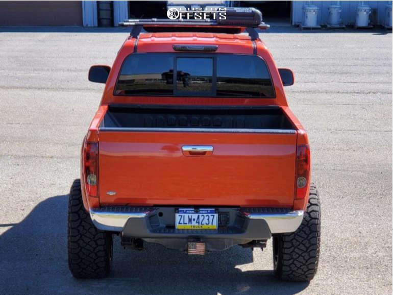 "2012 Chevrolet Colorado Aggressive > 1"" outside fender on 20x12 -44 offset Fuel Assault & 33""x12.5"" Kenda Klever R/t on Suspension Lift 7"" - Custom Offsets Gallery"