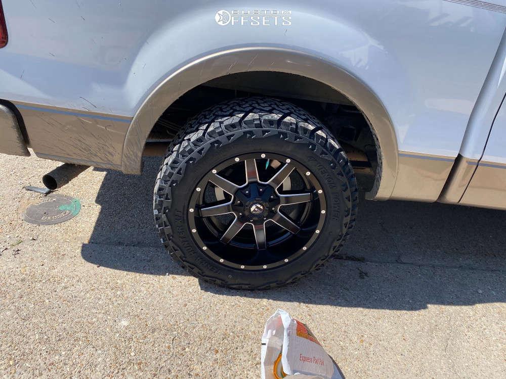 "2004 Ford F-150 Aggressive > 1"" outside fender on 20x10 -24 offset Fuel Maverick D536 & 33""x12.5"" Venom Power Terra Hunter X/t on Suspension Lift 2.5"" - Custom Offsets Gallery"