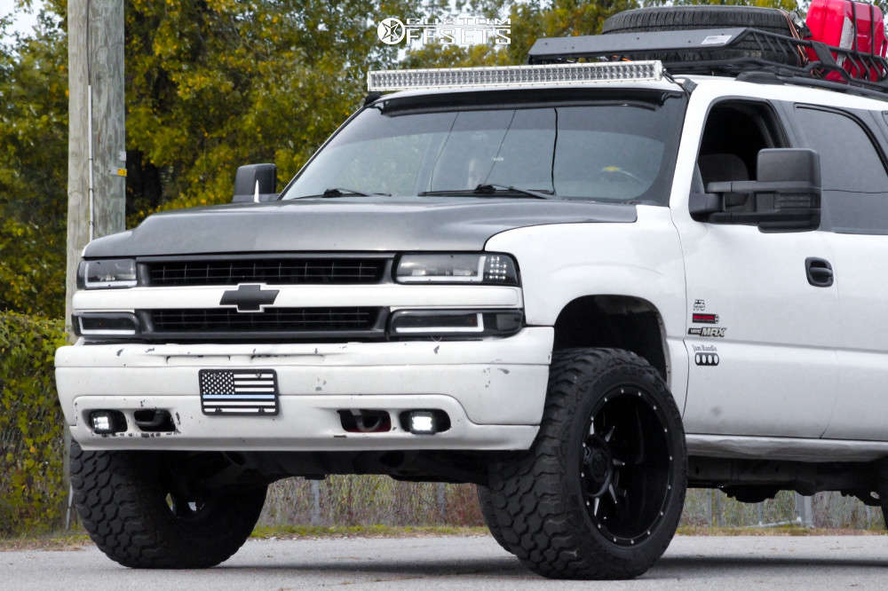 """2004 Chevrolet Tahoe Aggressive > 1"""" outside fender on 20x12 -44 offset Gear Off-Road Kickstand and 33""""x12.5"""" Achilles Desert Hawk X-mt on Suspension Lift 2.5"""" - Custom Offsets Gallery"""