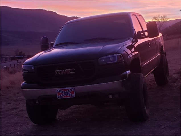 """2001 GMC Sierra 1500 Aggressive > 1"""" outside fender on 16x10 -44 offset White Diamond W3910 and 35""""x12.5"""" Toyo Tires Open Country R/T on Suspension Lift 4"""" - Custom Offsets Gallery"""