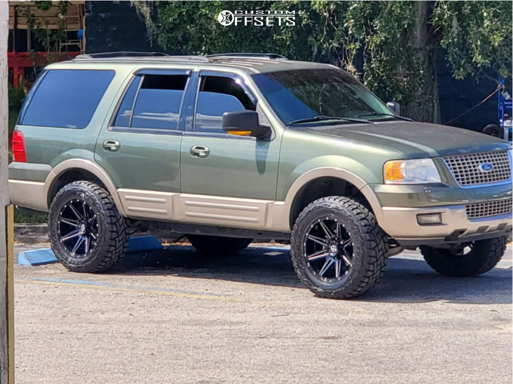 """2003 Ford Expedition Aggressive > 1"""" outside fender on 20x10 -24 offset Xf Offroad Xf-220 and 35""""x12.5"""" Toyo Tires Open Country R/t on Stock - Custom Offsets Gallery"""