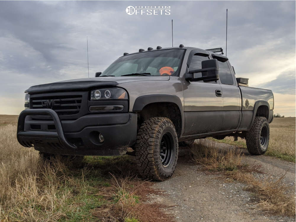 """2007 GMC Sierra 1500 Classic Aggressive > 1"""" outside fender on 16x8 -6 offset Pro Comp 51 and 33""""x11.5"""" Goodyear Wrangler Duratrac on Leveling Kit - Custom Offsets Gallery"""