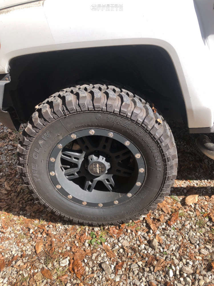 """2008 Hummer H3 Aggressive > 1"""" outside fender on 18x9.5 0 offset Pro Comp 31 and 35""""x18.5"""" Mud Claw Extreme M/t on Stock Suspension - Custom Offsets Gallery"""
