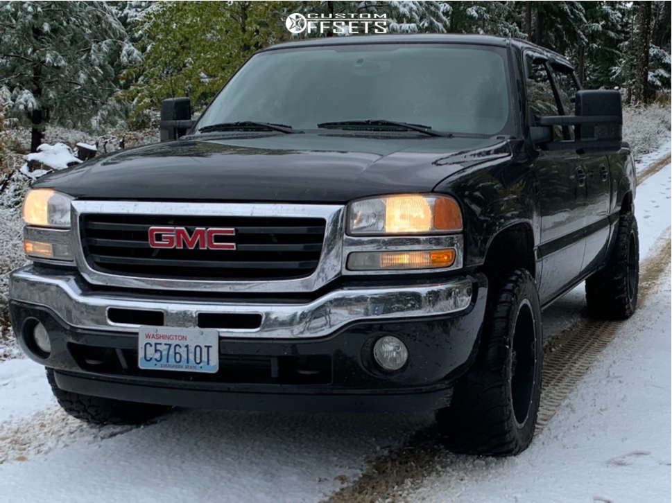 """2007 GMC Sierra 1500 Classic Aggressive > 1"""" outside fender on 20x12 -24 offset Full Throttle Ft-6054 and 33""""x12.5"""" Suretrac Wide Climber M/t on Leveling Kit - Custom Offsets Gallery"""