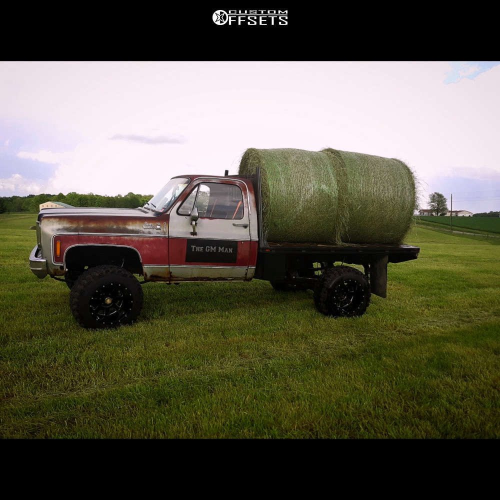 """1979 GMC K1500 Super Aggressive 3""""-5"""" on 18x14 -76 offset Moto Metal Mo962 and 33""""x13.5"""" Super Swamper Irok on Suspension Lift 4"""" - Custom Offsets Gallery"""