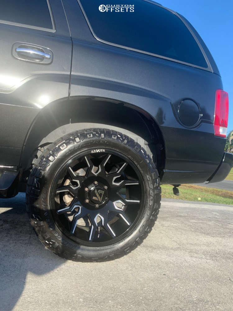 """2004 Cadillac Escalade ESV Aggressive > 1"""" outside fender on 20x10 -25 offset ARKON OFF-ROAD Roosevelt & 275/55 Nitto Trail Grappler on Leveling Kit - Custom Offsets Gallery"""