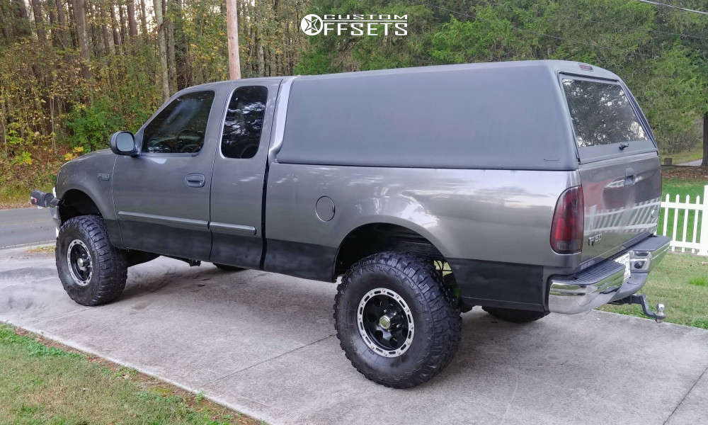"""2004 Ford F-150 Heritage Aggressive > 1"""" outside fender on 16x8 -5 offset Alloy Ion Style 174 and 315/75 Federal Couragia Mt on Suspension Lift 4.5"""" - Custom Offsets Gallery"""