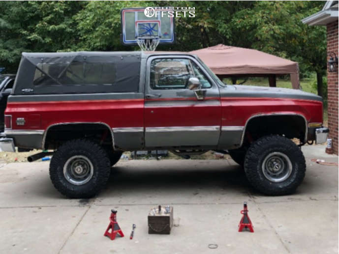 """1987 Chevrolet Blazer Aggressive > 1"""" outside fender on 15x10 -49 offset Pro Comp 69 & 33""""x12.5"""" Milestar Patagonia Mt on Suspension Lift 4"""" - Custom Offsets Gallery"""