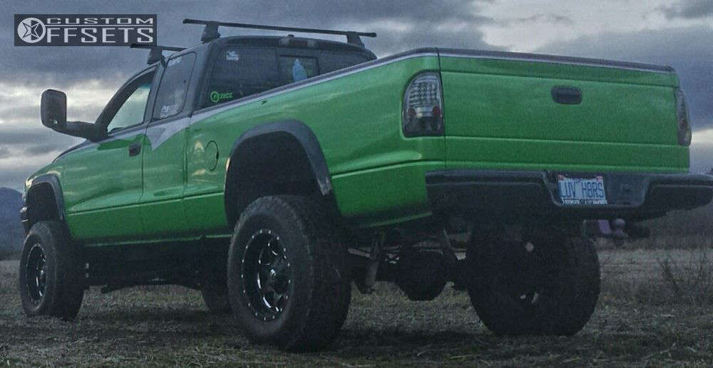 """1999 Dodge Dakota Aggressive > 1"""" outside fender on 17x9 -12 offset Fuel Boost and 285/70 Nitto Terra Grappler G2 on Suspension Lift 6"""" - Custom Offsets Gallery"""
