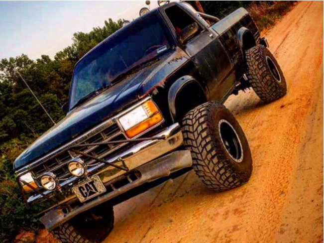 "1991 Dodge Dakota Hella Stance >5"" on 15x10 -45 offset Mickey Thompson Classic Baja Lock & 33""x12.5"" Mickey Thompson Baja Claw on Leveling Kit & Body Lift - Custom Offsets Gallery"