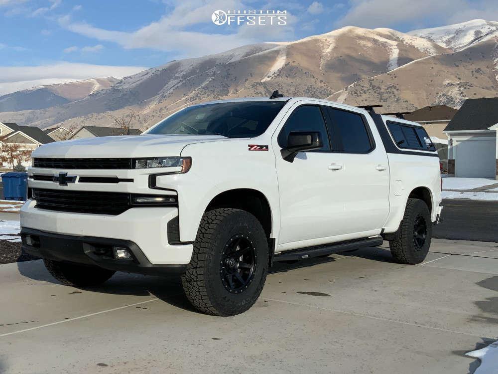 "2019 Chevrolet Silverado 1500 Aggressive > 1"" outside fender on 17x8.5 0 offset Icon Alloys Rebound and 285/75 Falken Wild Peak At3w on Leveling Kit - Custom Offsets Gallery"