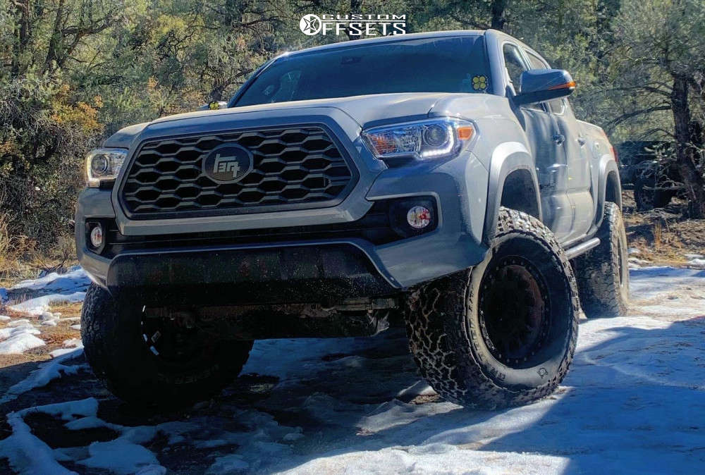 """2020 Toyota Tacoma Aggressive > 1"""" outside fender on 16x8 0 offset Method Mr305 and 285/75 General Grabber Atx on Leveling Kit - Custom Offsets Gallery"""