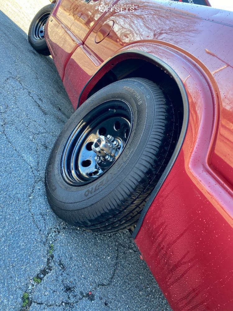 """1999 Chevrolet S10 Aggressive > 1"""" outside fender on 15x7 -6 offset Vision Soft 8 & 33""""x12.5"""" Achilles All Season on Lowered 3F / 5R - Custom Offsets Gallery"""