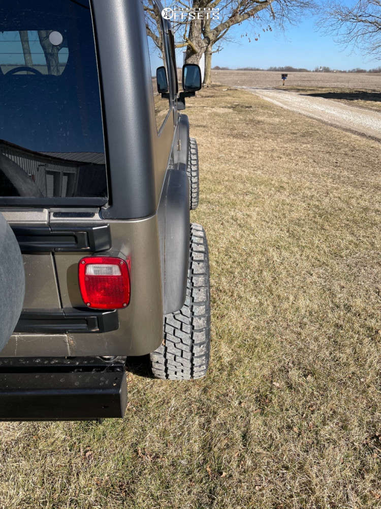 """2004 Jeep Wrangler Aggressive > 1"""" outside fender on 15x8 -19 offset Vision Manx and 33""""x12.5"""" Dick Cepek Trail Country EXP on Suspension Lift 3"""" - Custom Offsets Gallery"""