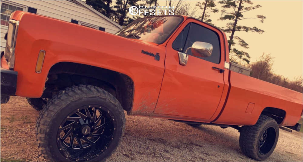 """1979 Chevrolet K10 Pickup Aggressive > 1"""" outside fender on 20x12 -44 offset Hardrock Crusher and 33""""x12.5"""" Federal Couragia Mt on Leveling Kit - Custom Offsets Gallery"""